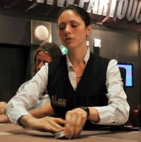 Comment devenir croupier poker ?