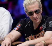 Le Français Bertrand « ElkY » Grospellier Champion du monde de poker