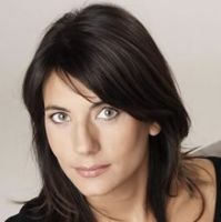 Estelle Denis va présenter « Carrément Poker » sur W9