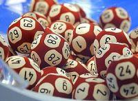 Il gagne des millions à la loterie mais ne veut pas garder un centime