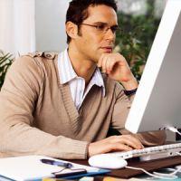 Jouer en ligne depuis son lieu de travail : quels sont les risques ?