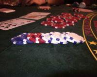 Un joueur de poker dépendant réclame 100.000 euros à l'État français