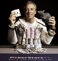 On peut être un joueur de poker amateur et gagner 880 000 €