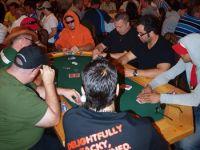 Les stratégies pour jouer au poker en tournois et gagner