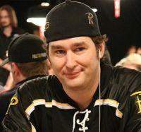Phil Hellmuth arrive déguisé aux WSOP… pour 2 millions de dollars ?