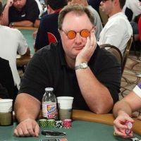Pourquoi les joueurs de poker mettent-ils des lunettes de soleil ?