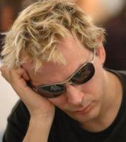 Phil Laak réalise le record de la plus longue partie de poker : 79h